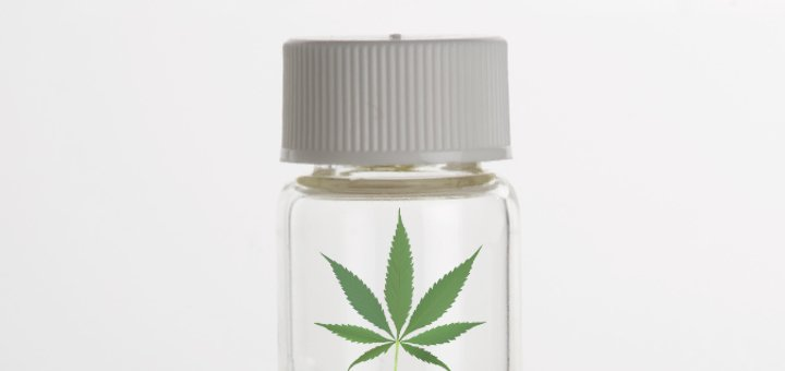 Cannabis Oils: A Look At What's Available in Canada